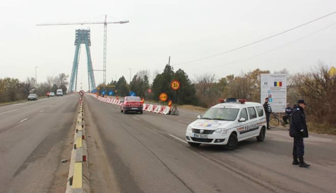 Foto: Calvarul �oferilor se repet� �i �n 2016: podul de la Agigea, �nchis total. Cum  se va putea ajunge �n sudul litoralului