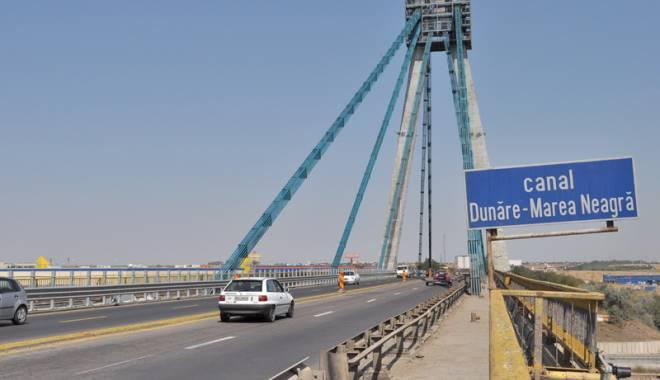 Foto: �oferi, aten�ie! Restric�ii de circula�ie pe podul de la Agigea!