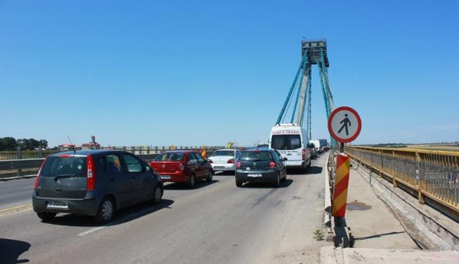 Foto: Circulaţia pe podul  de la Agigea, închisă total. Ce rute aveţi la dispoziţie