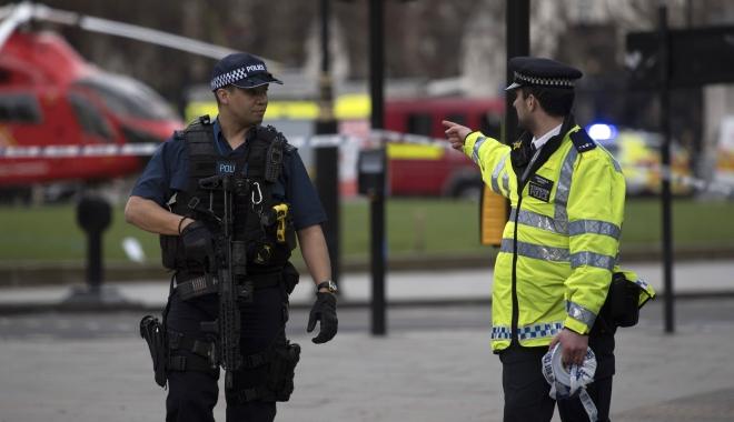 Foto: ALERTĂ în Marea Britanie: Un vehicul a intrat într-un grup de oameni la Newcastle