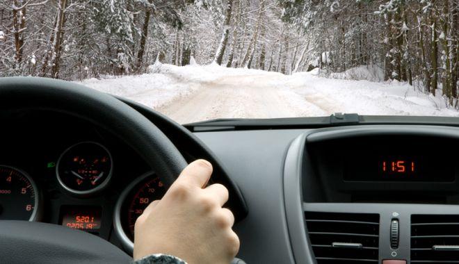 Foto: Polei pe şosele! Cum să conduci  în siguranţă