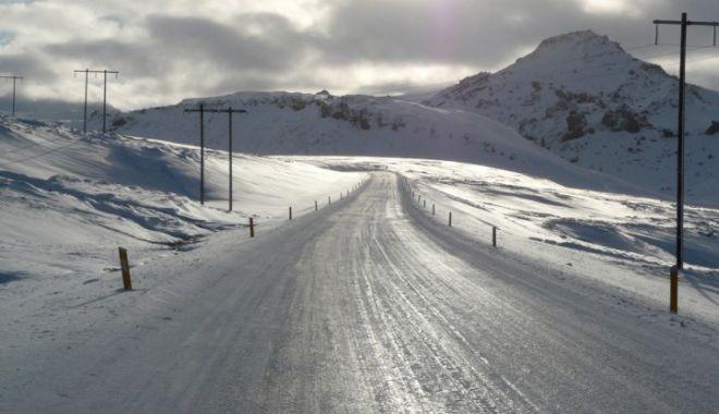 Foto: Polei şi temperaturi deosebit de scăzute, la Constanţa! Se circulă în condiţii de iarnă pe mai multe drumuri din judeţ