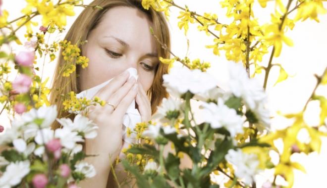 Foto: Atenţie, polenul florilor declanşează alergiile de primăvară