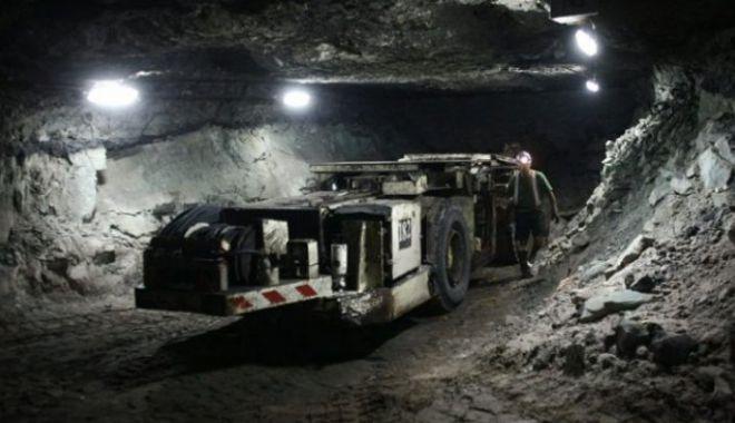 Foto: Doi dintre minerii daţi dispăruţi, după ce s-a surpat pământul, au fost găsiţi MORŢI!