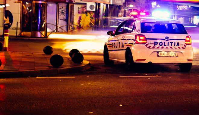 Foto: Sensul giratoriu i-a încurcat. Doi șoferi, cercetați după ce au provocat accidente, în Mamaia