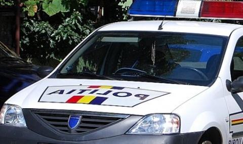 Șase mașini distruse într-un accident produs pe strada Dezrobirii - politia-1322387250.jpg