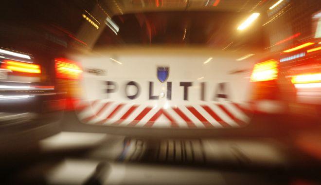 Foto: Incident neobișnuit într-o parcare! Un bărbat de 68 de ani și-a dat foc
