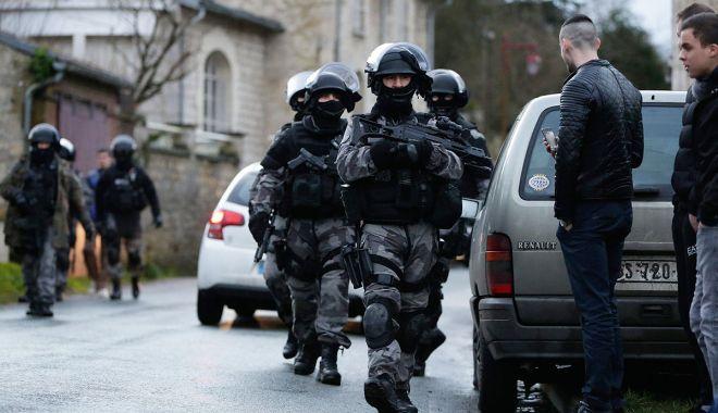 Foto: 10 interlopi români, judecaţi în Franţa. Victimele lor s-au temut să îi reclame