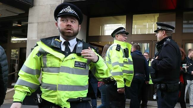 Foto: Poliţia britanică a deschis focul asupra unui vehicul care a intrat în maşina ambasadorului Ucrainei