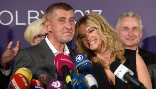 Poliţia cehă recomandă punerea sub acuzare a premierului Andrej Babis - politia-1555587362.jpg