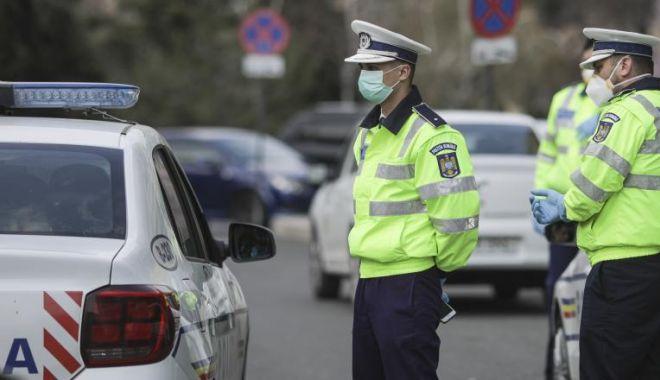 Foto: Polițiștii au dat peste 2.000 de amenzi într-o singură zi pentru nerespectarea măsurilor de protecție