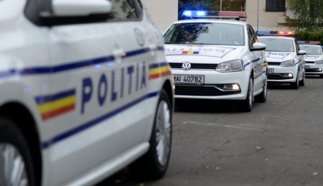 Foto: Focuri de armă trase de poliţişti pentru prinderea unui bărbat care transporta ţigări de contrabandă