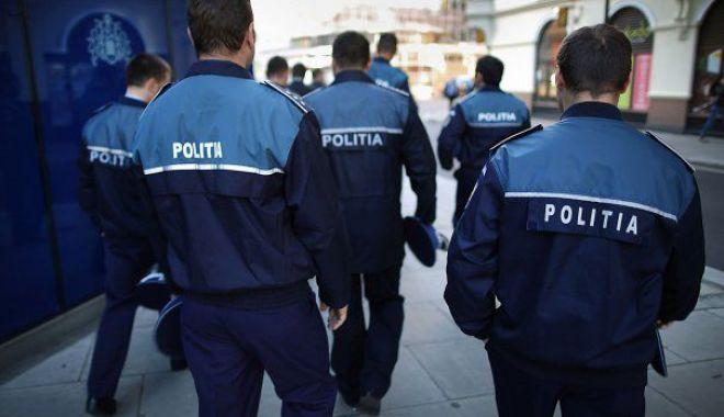 Foto: De ce sunt ţinute la secret salariile poliţiştilor? Carmen Dan ignoră întrebările oamenilor legii