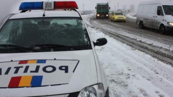 Fost puşcăriaş, prins de poliţişti aproape de comă alcoolică la volan, pe cod portocaliu - politiaiarna-1484142636.jpg