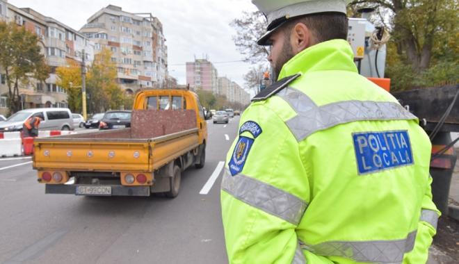 Foto: Poliţia Locală ar putea primi din atribuţiile Poliţiei Rutiere