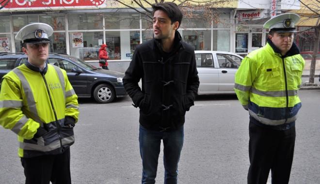 Foto: Imagini INCREDIBILE în centrul Constanţei / Agresat de poliţişti pentru că a parcat neregulamentar VIDEO