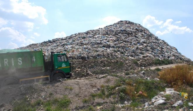 Foto: Poliţia locală va supraveghea depozitele de deşeuri