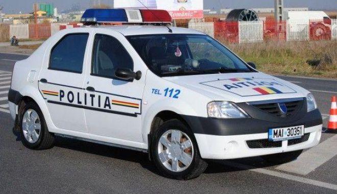 Foto: Puşti fără permis, urmărit în trafic de poliţiştii constănţeni! Nu a oprit la semnalul de oprire