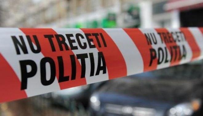 Foto: Copil de 9 ani, cu urme de violență pe corp, găsit mort în casă