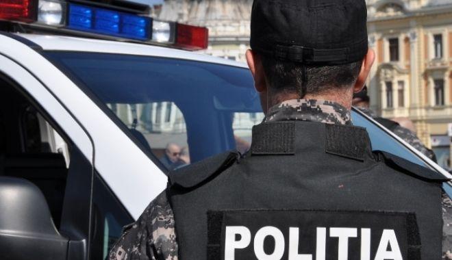 Poliția Română: Zeci de kilograme de droguri, găsite în rezervorul unui TIR, pe autostradă - politiaromana-1573558801.jpg