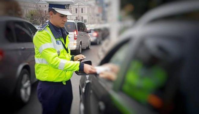 Foto: COD RUTIER / Şoferii cu permisul suspendat ar putea alege perioada în care să nu mai circule pe drumurile publice