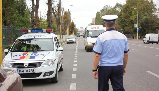 Foto: Se schimbă Cartea de Identitate a Vehiculului. Anunţul făcut de Registrul Auto Român