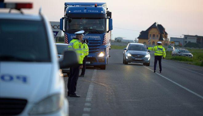 RAZIE pe șoselele din Constanța. Au fost reținute 26 de premise de conducere - politiarutieracontrol-1592736740.jpg