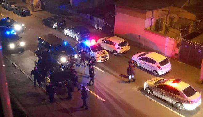 Scandal în miez de noapte! Urmărire și bătăi pe străzile Constanței - politie-1585558550.jpg