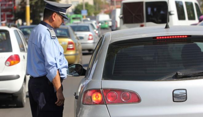 Foto: Şoferii vitezomani, luaţi în vizor de rutierişti