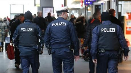 Foto: Panică la Berlin! O mașină a spulberat un grup de pietoni: cel puțin 5 victime