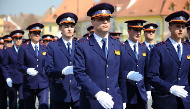 Foto: Deputații au decis: polițiștii și militarii pot folosi compensația de chirie la achiziția unei locuințe