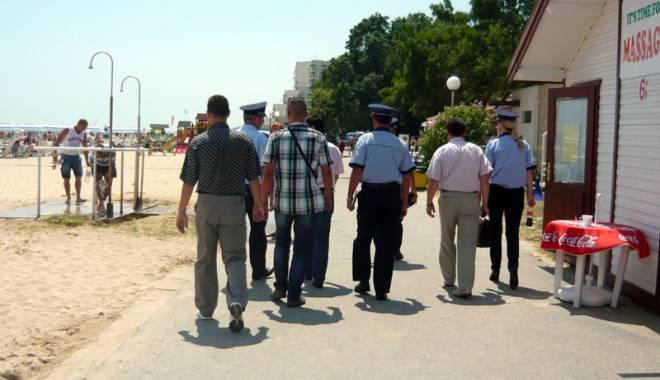 Foto: Poliţiştii ies pe stradă, de Florii şi Paştele catolic
