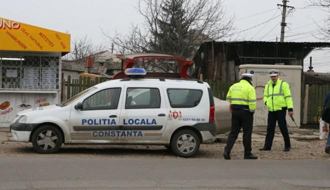 Polițiștii locali din Constanța, înarmați cu pistoale letale - politisticetmasina-1319992561.jpg