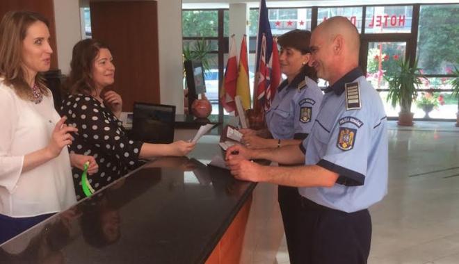 Foto: Poliţiştii constănţeni,  activităţi pentru ca turiştii să fie în siguranţă