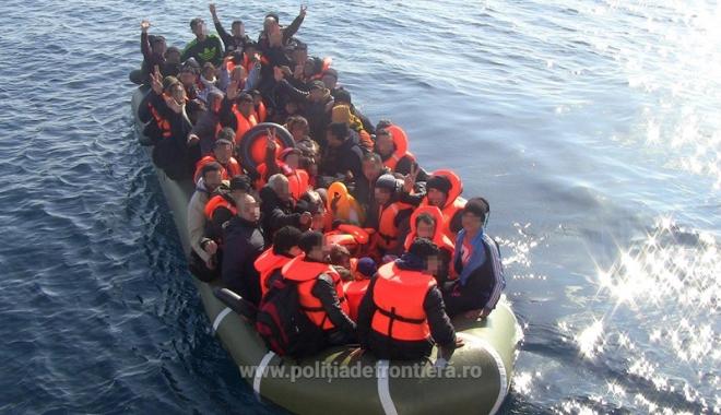 Foto: Poliţiştii de frontieră români au salvat peste 50 de persoane, în Marea Egee