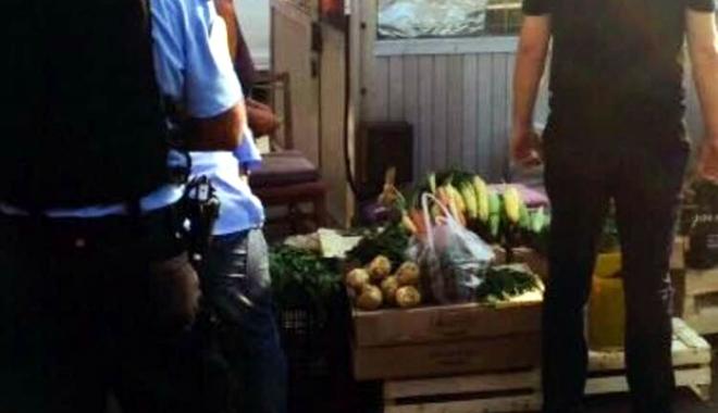 Foto: Poliţiştii şi jandarmii au dat iama în Piaţa din Tomis 3