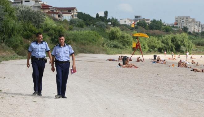 Foto: Poliţiştii constănţeni, campanie  pentru un litoral fără infractori