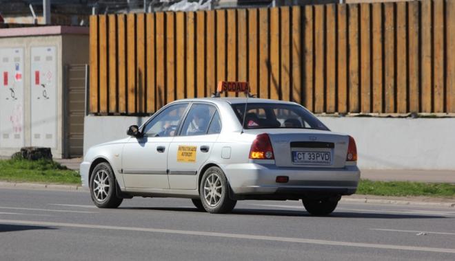 """Foto: Poliţiştii şi şcolile de şoferi, la cuţite. """"Va ieşi scandal mare!"""""""
