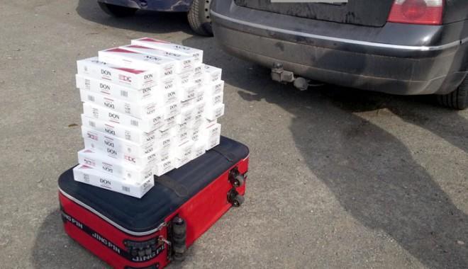 Foto: Poliţiştii de frontieră au pus mâna pe o mie de pachete cu ţigări de contrabandă
