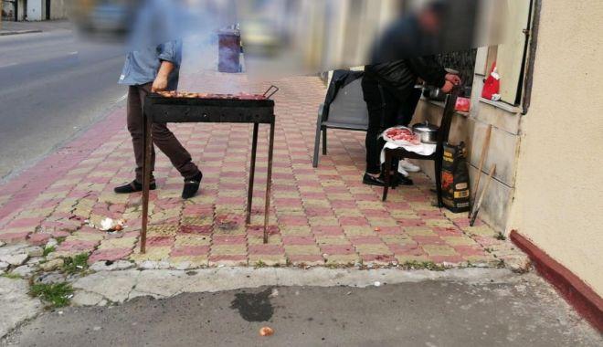 Foto: Poliţiştii locali le-au stricat picnicul mai multor constănţeni. Iată ce riscaţi dacă aprindeţi focul în locuri neamenajate