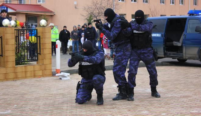 Foto: Poliţia Română le vine de hac celor mai căutaţi infractori ai Europei