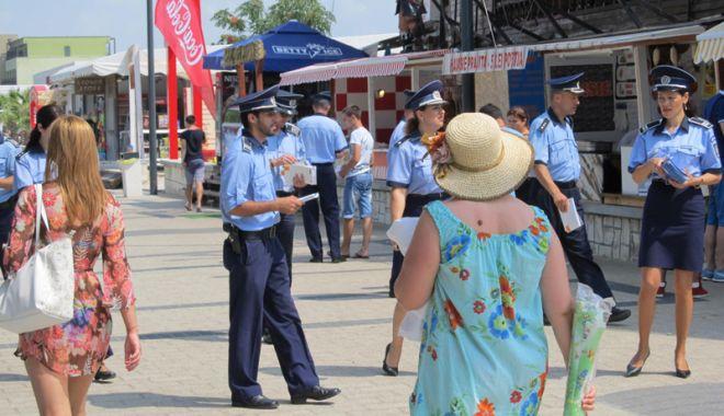 Foto: Mai mulţi poliţişti, în misiune pe litoral. Oamenii legii sunt cu ochii pe infractori