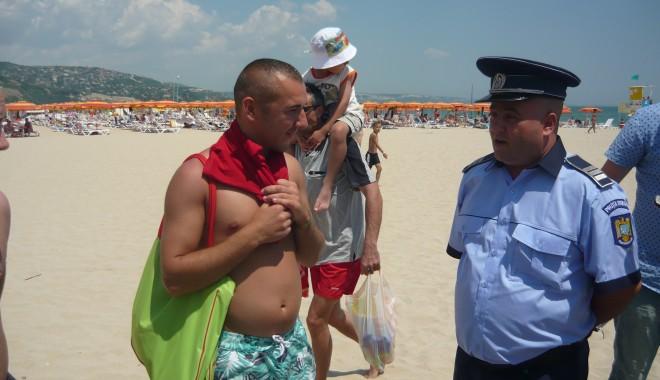 Foto: Poliţiştii, în ajutorul turiştilor români din Bulgaria