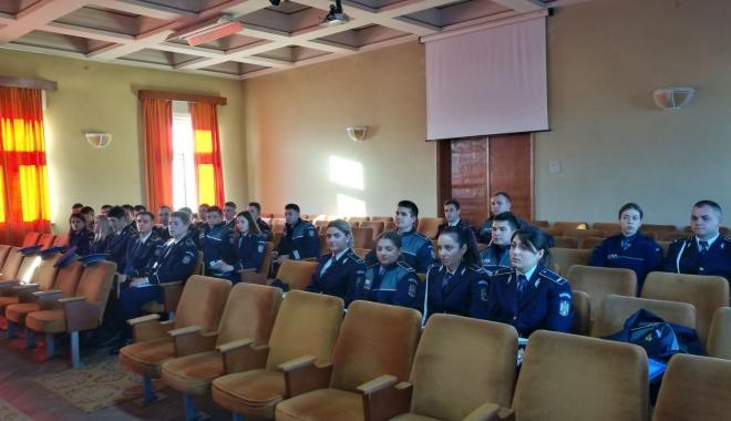 Foto: Poliţia din Constanţa se întăreşte cu forte proaspete
