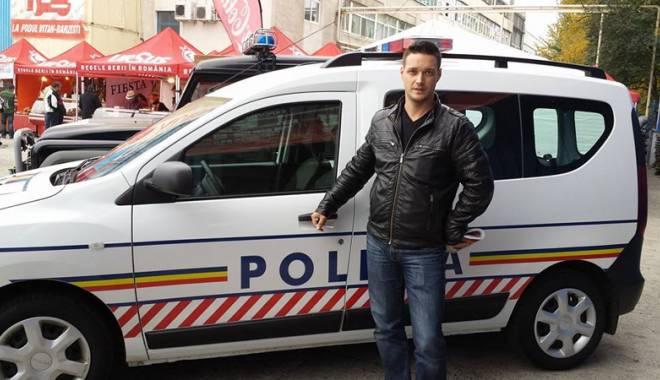 Foto: Poliţistul care a cerut mită un smartphone, pus să muncească în folosul comunităţii