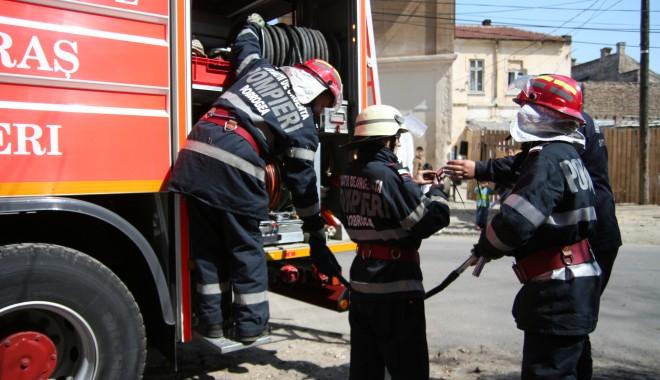 Foto: Incendiu la Primăria Medgidia