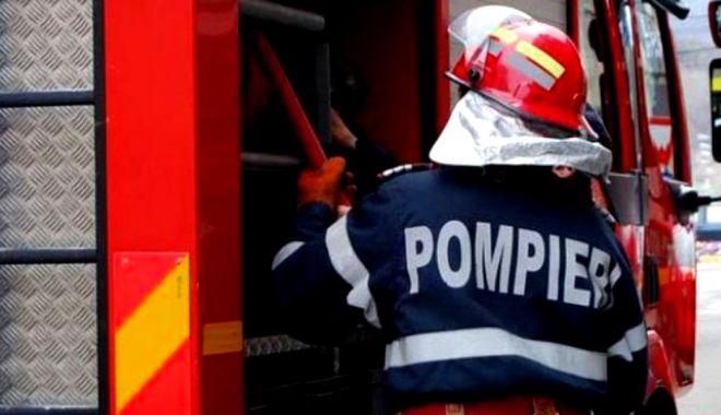 Foto: Incendiu la Constanța! Arde o locomotivă
