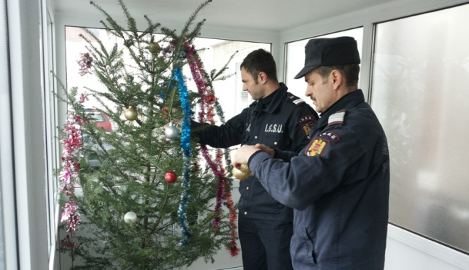 """Foto: Pompierii ISU """"Dobrogea"""", sfaturi de Crăciun"""