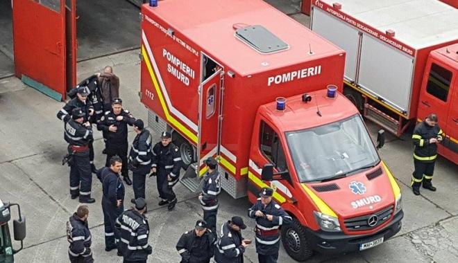 """Foto: Pompierii constănţeni, angrenaţi în exerciţiul de amploare """"Seism"""" din Bucureşti"""