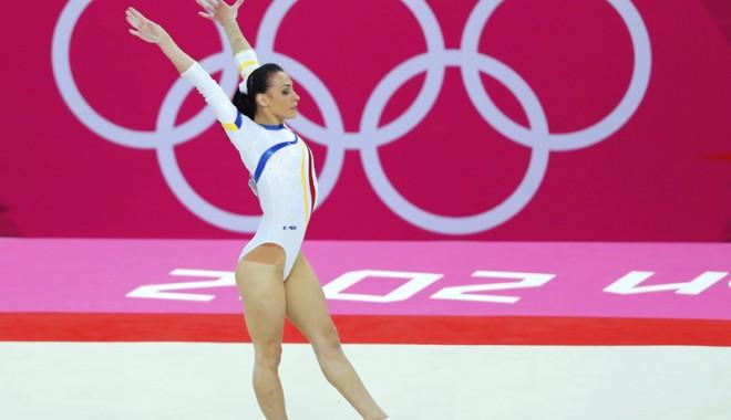 Cătălina Ponor, vicecampioană olimpică la sol